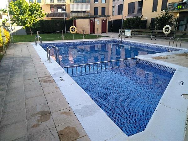 Mantenimiento y limpieza de piscinas en zaragoza capital y provincia - Coste mantenimiento piscina ...
